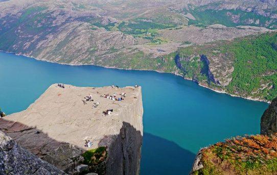 PREIKESTOLEN – svindlande ovan fjorden