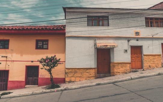 Fridfullt och familjärt på gatorna i Sucre