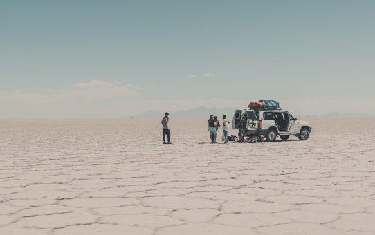 Vitt, salt och kaktusar i världens största saltöknen – Salar de Uyuni