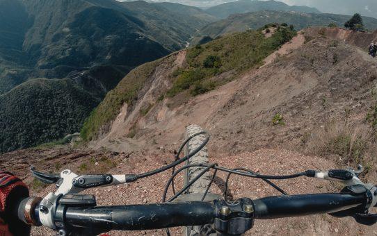 Death Road – cykla downhill ned för världens farligaste väg