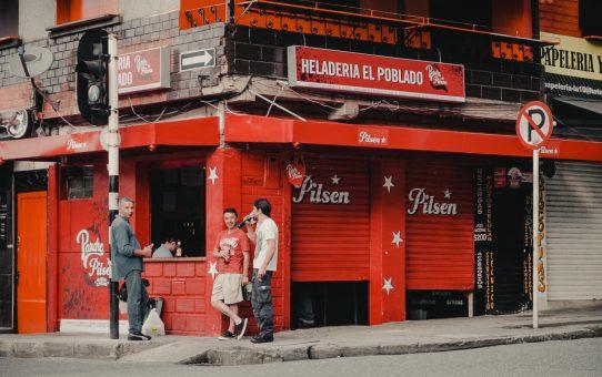 Favoritstaden: busvisslingar och skottlossning – är det farligt i Medellin?