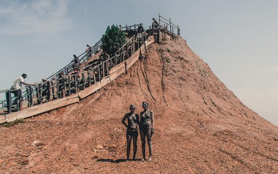 Lerbad i Totumo Mud Volcano – en märklig upplevelse