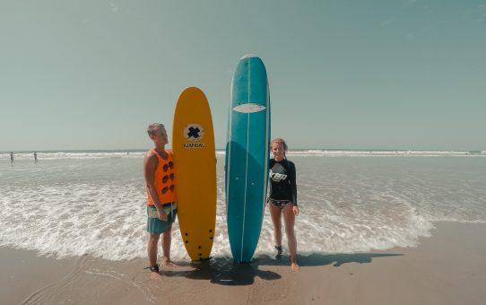 Surfa i den charmiga surfbyn Santa Teresa i Costa Rica och lev Pura Vida-livet