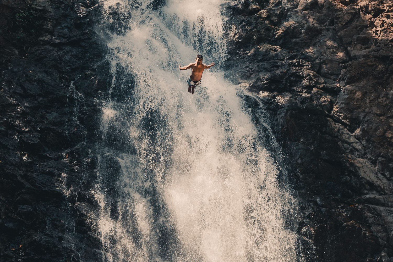 Montezuma Waterfalls i Costa Rica - Vågar du hoppa från 12 meters vattenfall?