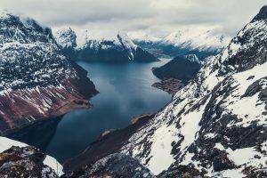 Maudekollen 1021 möh – spektakulära vyer över berg och fjord