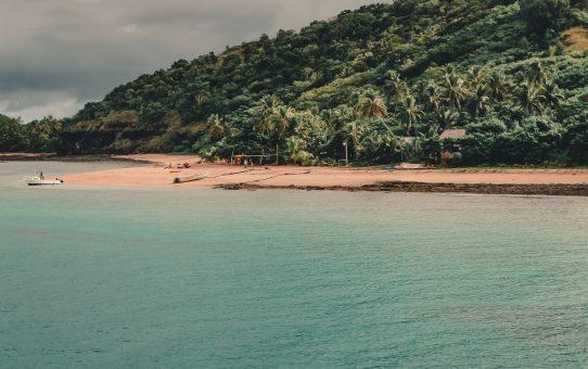 Dansa 'Bula' och se vackra, färgglada koraller på Naviti Island