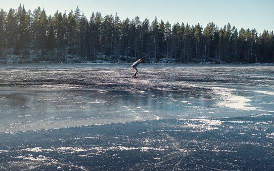 Så åker du säkert på isen (+ vinn långfärdsskridskor & isdubbar!)